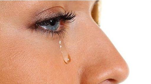 lagrimas-mujer-llorar-por-que-lagrimal