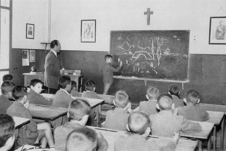 siv-franco-escuela-franquista2